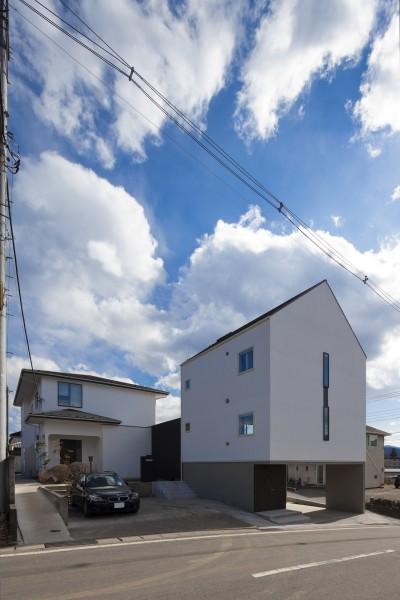 外観 (木造築30年「フルリノベーション+増築」で二世帯住宅に改築 OUCHI-23)