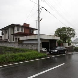 リノベーション前の建物 (木造築30年「フルリノベーション+増築」で二世帯住宅に改築 OUCHI-23)