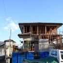 木造築30年「フルリノベーション+増築」で二世帯住宅に改築 OUCHI-23の写真 スケルトンに解体して耐震補強を行った