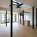木造築30年「フルリノベーション+増築」で二世帯住宅に改築 OUCHI-23の写真 2階床を一部撤去して吹抜を作る