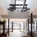 木造築30年「フルリノベーション+増築」で二世帯住宅に改築 OUCHI-23の写真 リノベーション後のリビングダイニング