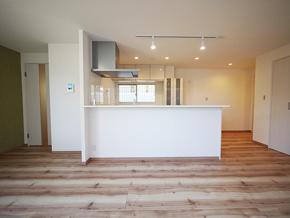 キッチン事例:キッチン(色彩豊かな南欧風の家)
