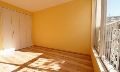 色彩豊かな南欧風の家 (洋室)