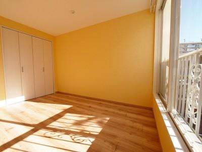 洋室 (色彩豊かな南欧風の家)