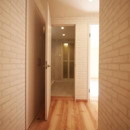 色彩豊かな南欧風の家 (廊下)