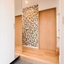 光と風があふれる家に『まるごと再生』の写真 【玄関】
