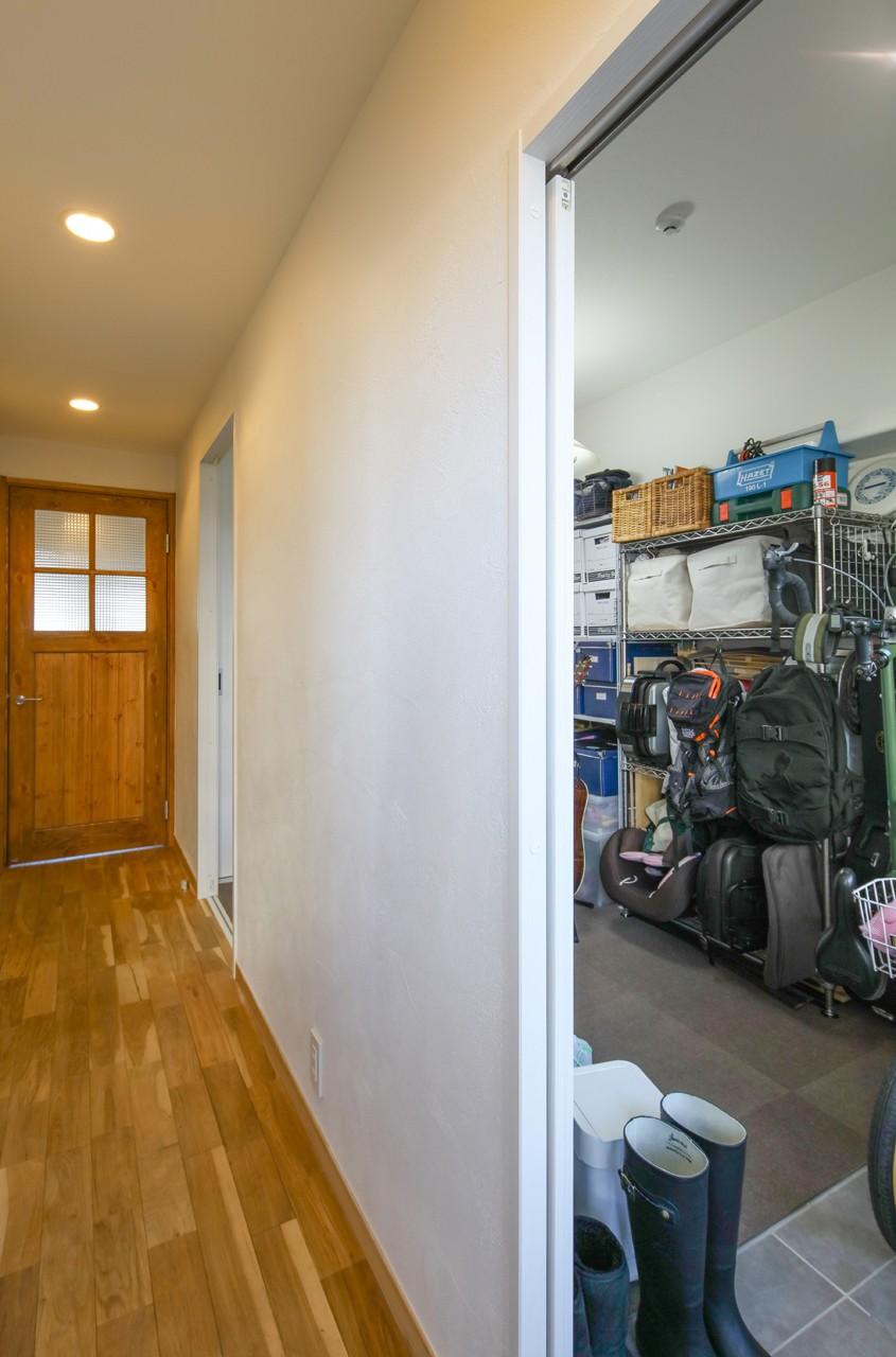 自然素材の家 (収納部屋)
