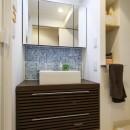 自然素材の家の写真 洗面化粧台