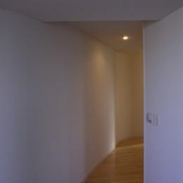 東京中野 ミニマル・シンプルな空間へマンションリノベーション (廊下)