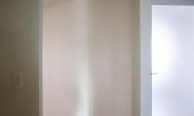 主寝室入り口|東京中野 ミニマル・シンプルな空間へマンションリノベーション