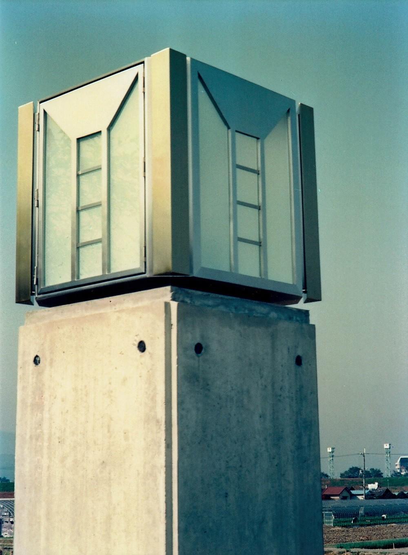 外観事例:外灯(オープンテラスがある週末邸宅:コンクリート構造の住宅設計)