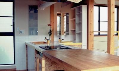 ダイニング~キッチン~洗面化粧台|家族のびのび大空間:自然素材の家