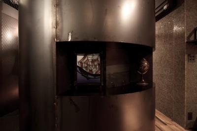 トイレ (黒皮鉄板の家〜鉄板で間仕切り壁をつくる〜)