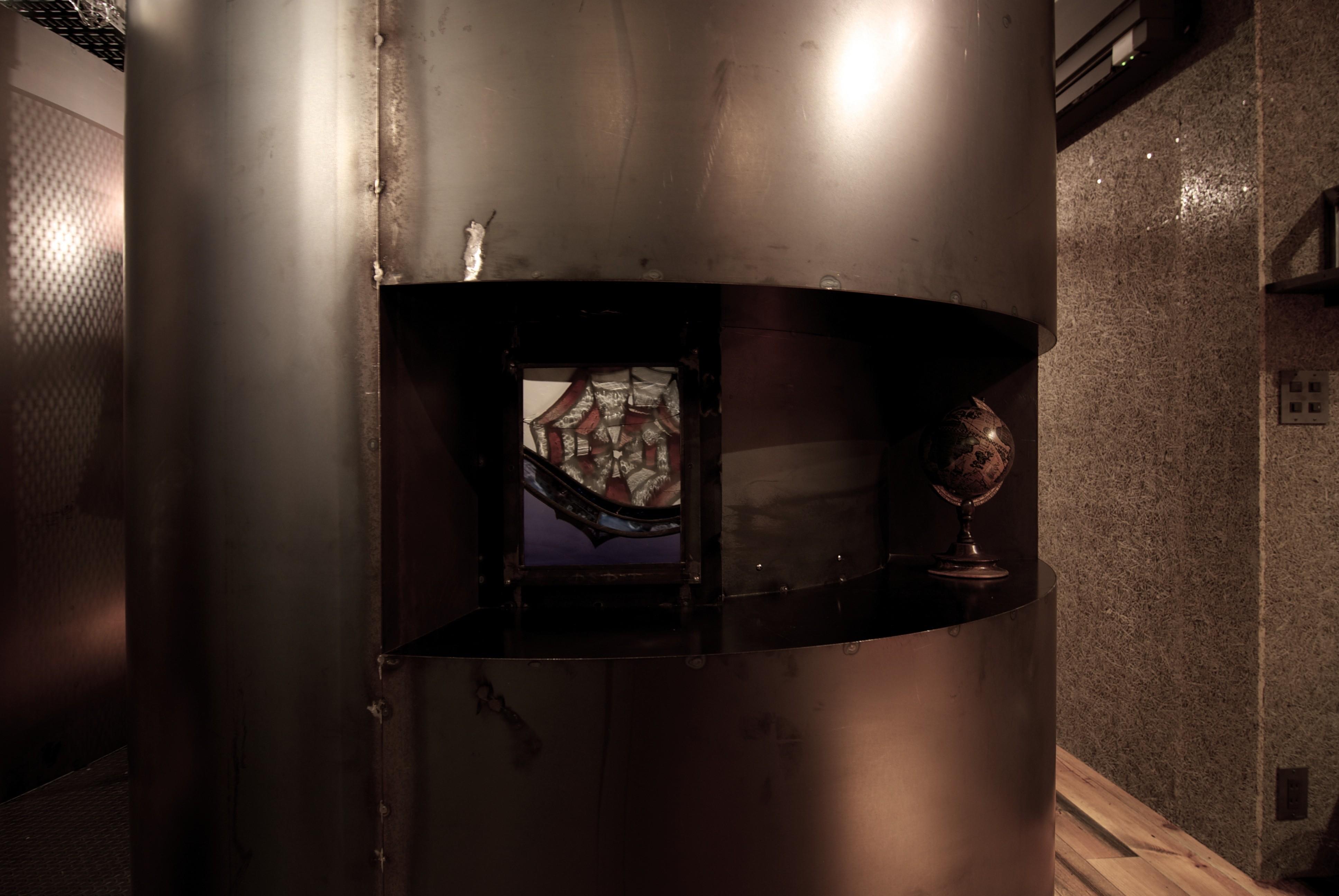 バス/トイレ事例:トイレ(黒皮鉄板の家〜鉄板で間仕切り壁をつくる〜)