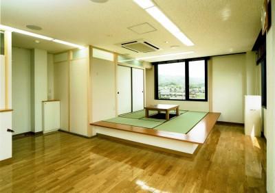 高床式和室 (眺望を楽しむ暮らし:ビルのリノベーション)