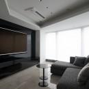 高層階の眺望を楽しむ扇型リビングの家の写真 リビング