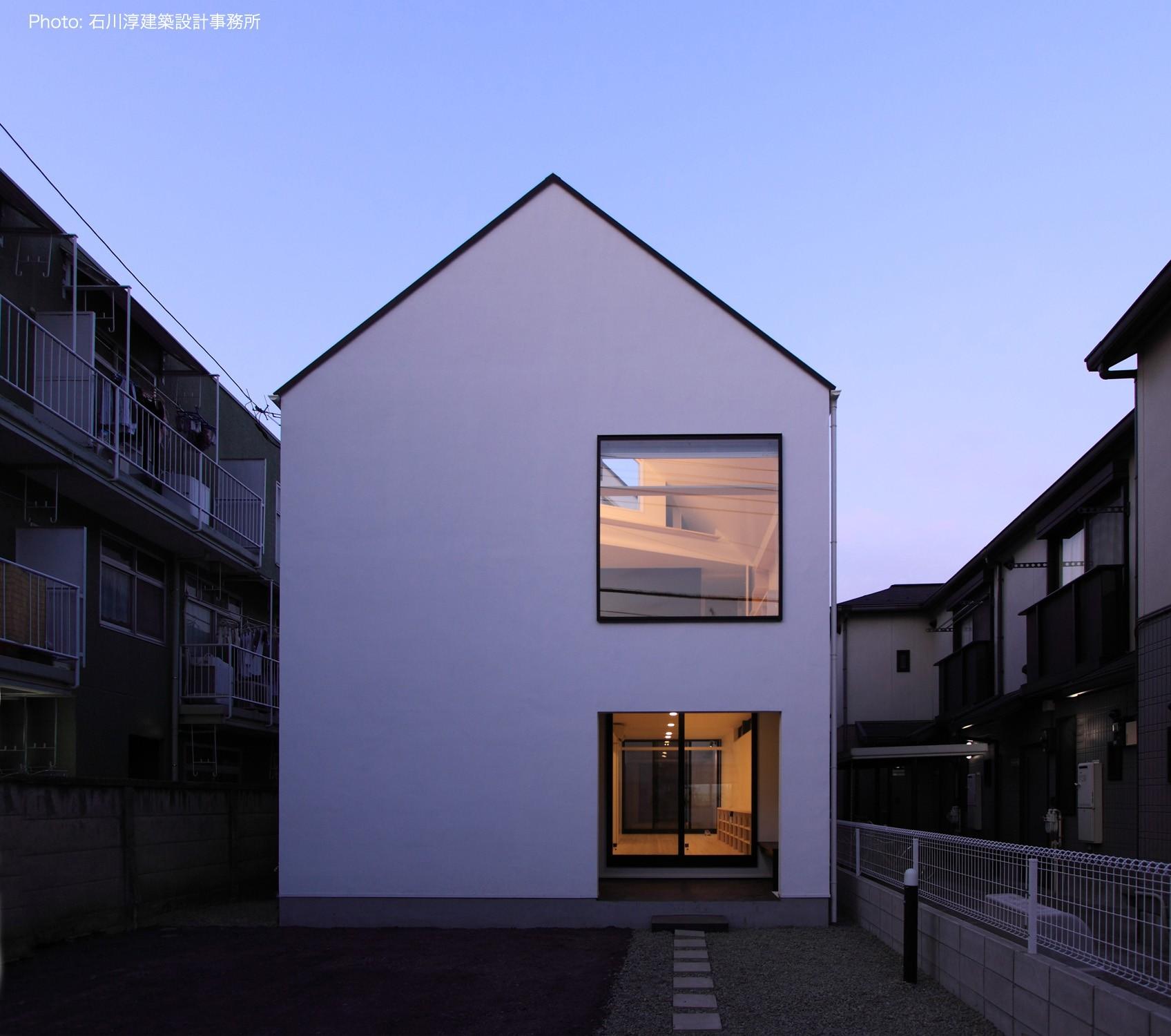 外観事例:猫と犬と住む家 二世帯住宅のOUCHI-14(デザイン住宅外観いろいろ)