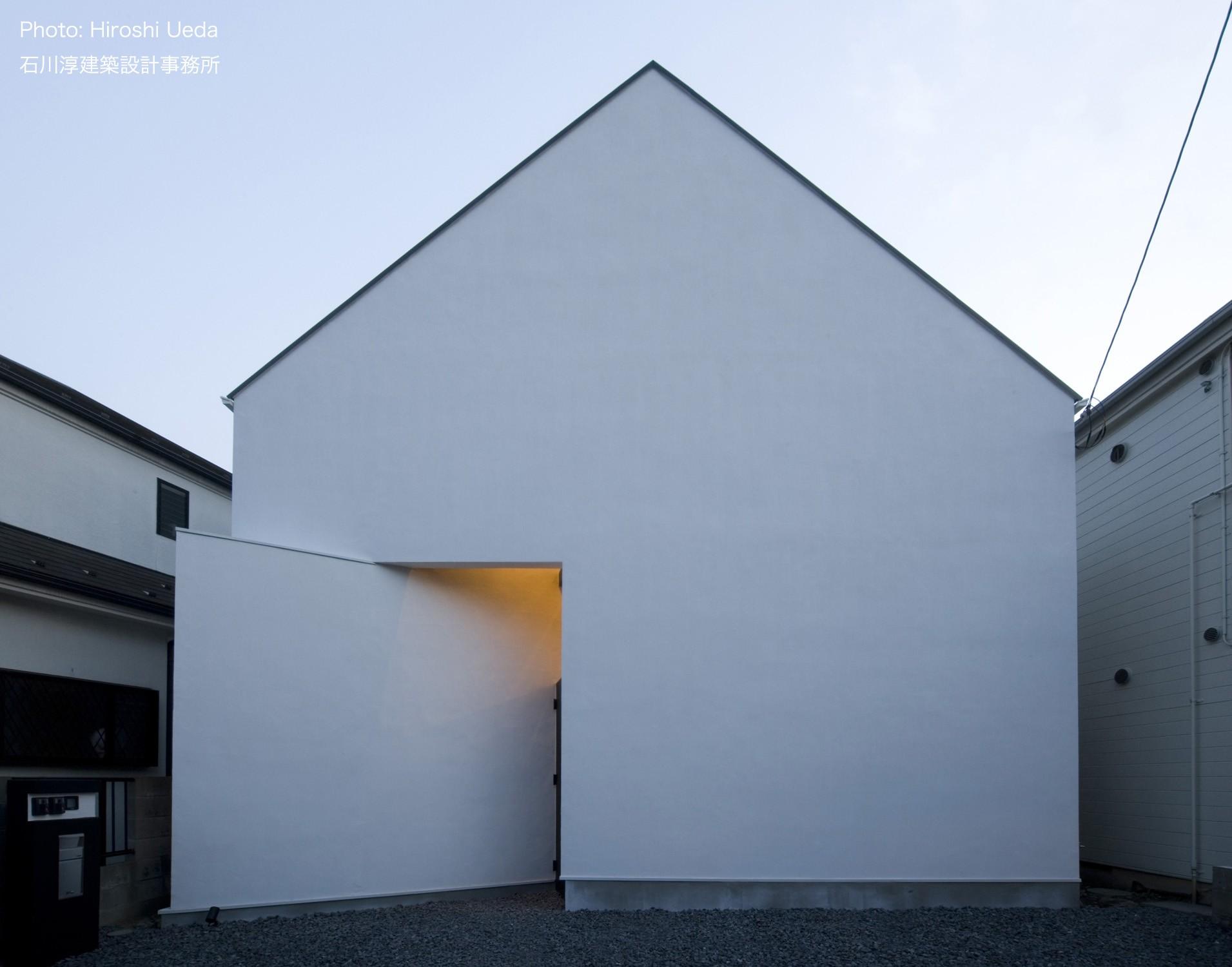 外観事例:狭小二世帯住宅 ミニマルデザインの家OUCHI-01 夜景(デザイン住宅外観いろいろ)