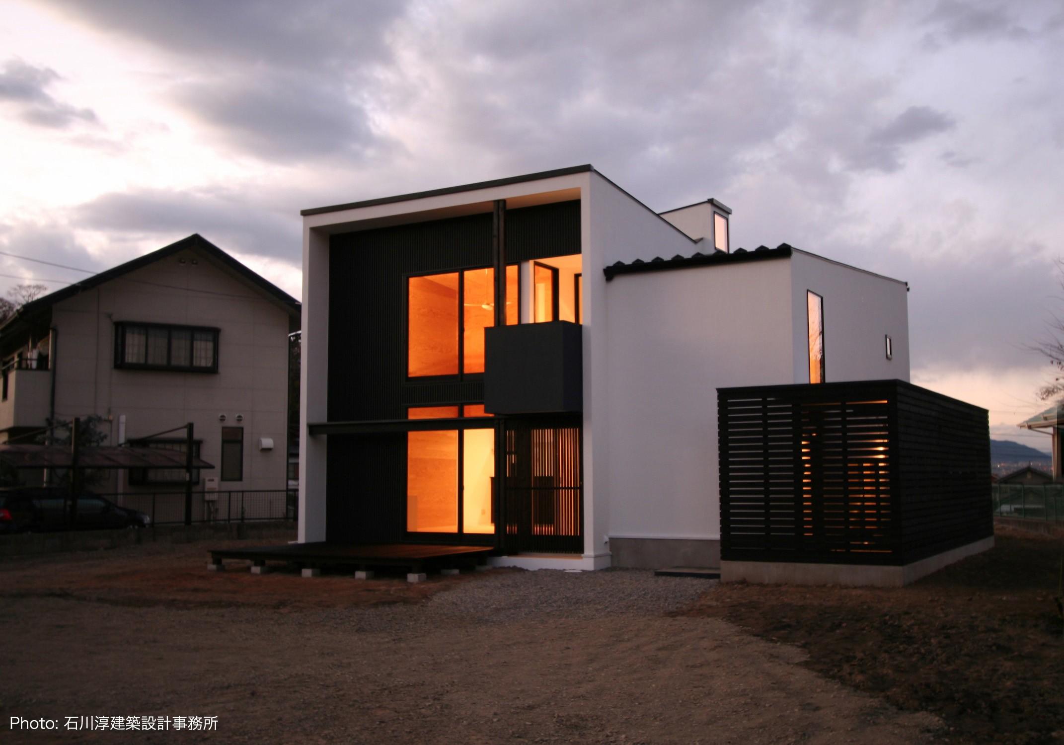 外観事例:甲府のハコ型の家(デザイン住宅外観いろいろ)