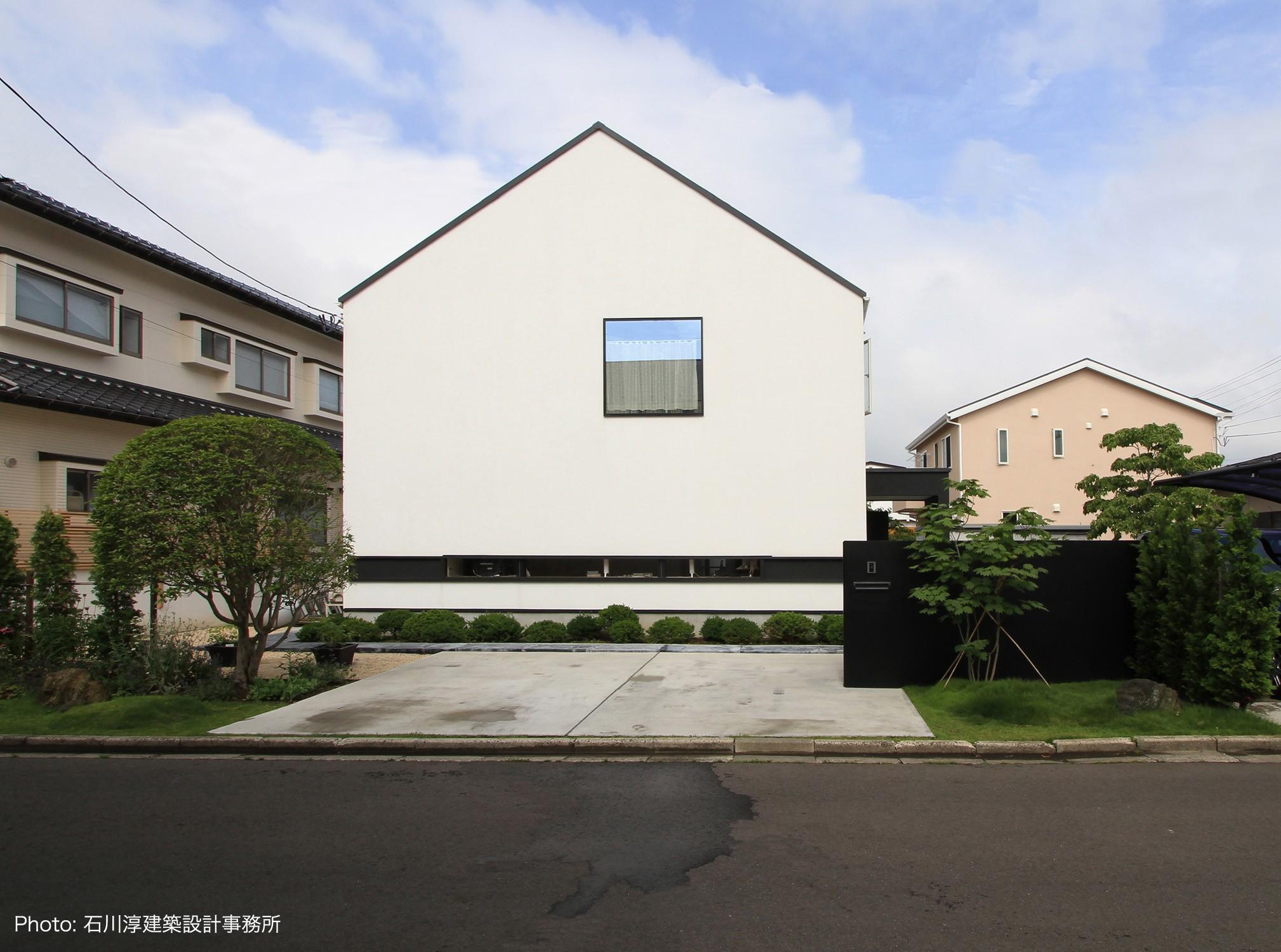 外観事例:仙台SOHOの家 OUCHI-18(デザイン住宅外観いろいろ)