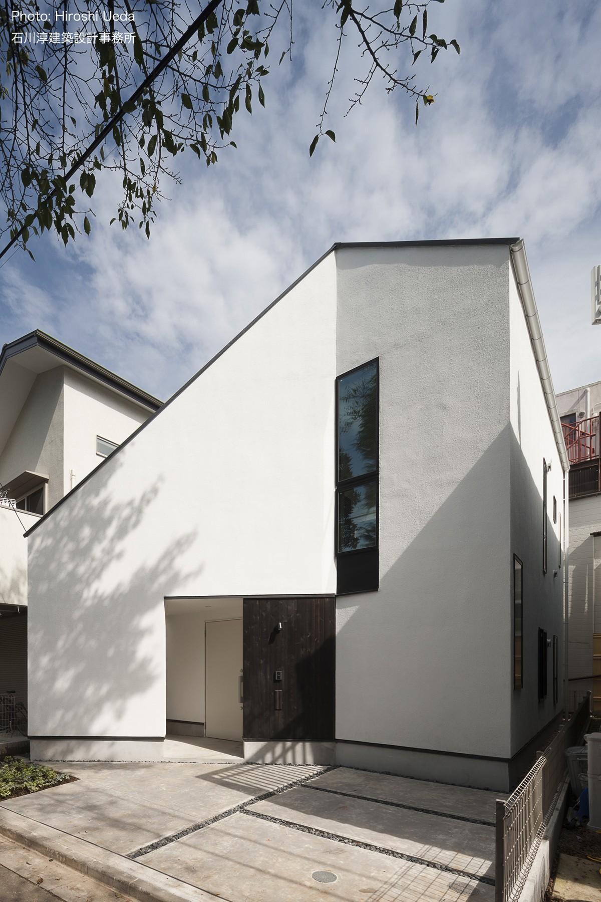 外観事例:折り紙をヒントにした家 OUCHI-37(デザイン住宅外観いろいろ)
