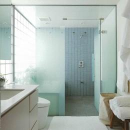 典雅さを目指した広尾の住まい RCビシャン仕上げの外観 シノワズリのインテリア空間 (広尾の住まい浴室)