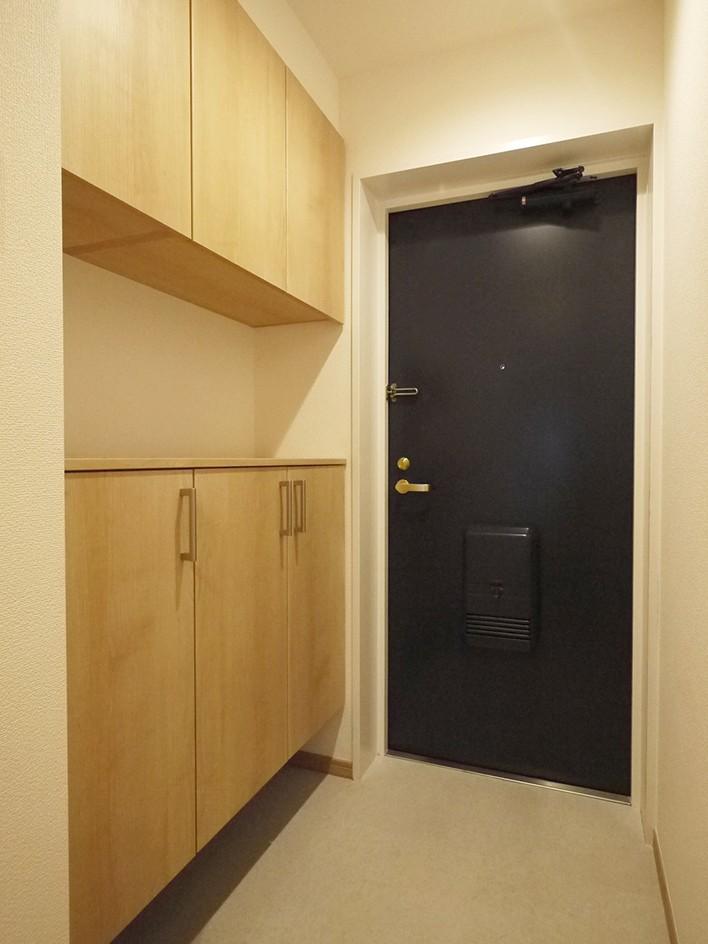 玄関事例:玄関(回遊性を活かした洋室に)