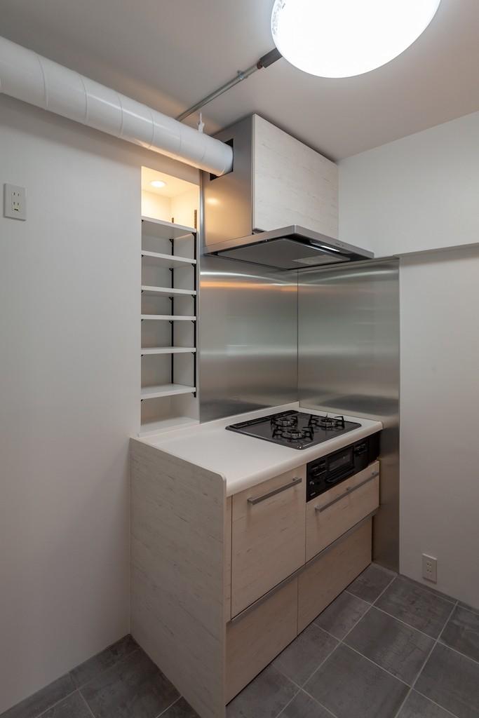 キッチン事例:調理スペースはしっかりと確保(暮らしのシーンを彩る家)