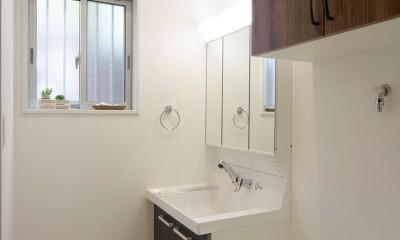 洗面室|ワンフロアのナチュラルなLDK