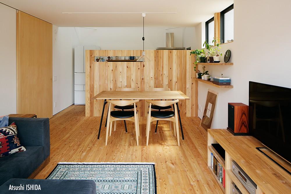 駒沢公園の家〜倉庫のような外観・柔らかい室内〜 (ダイニング)