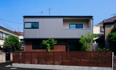 駒沢公園の家〜倉庫のような外観・柔らかい室内〜