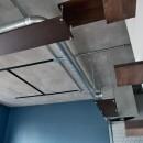 モルタル仕上げのキッチン×キャットステップのあるワンストップリノベーション住まいの写真 キャットウォーク/キャットステップ