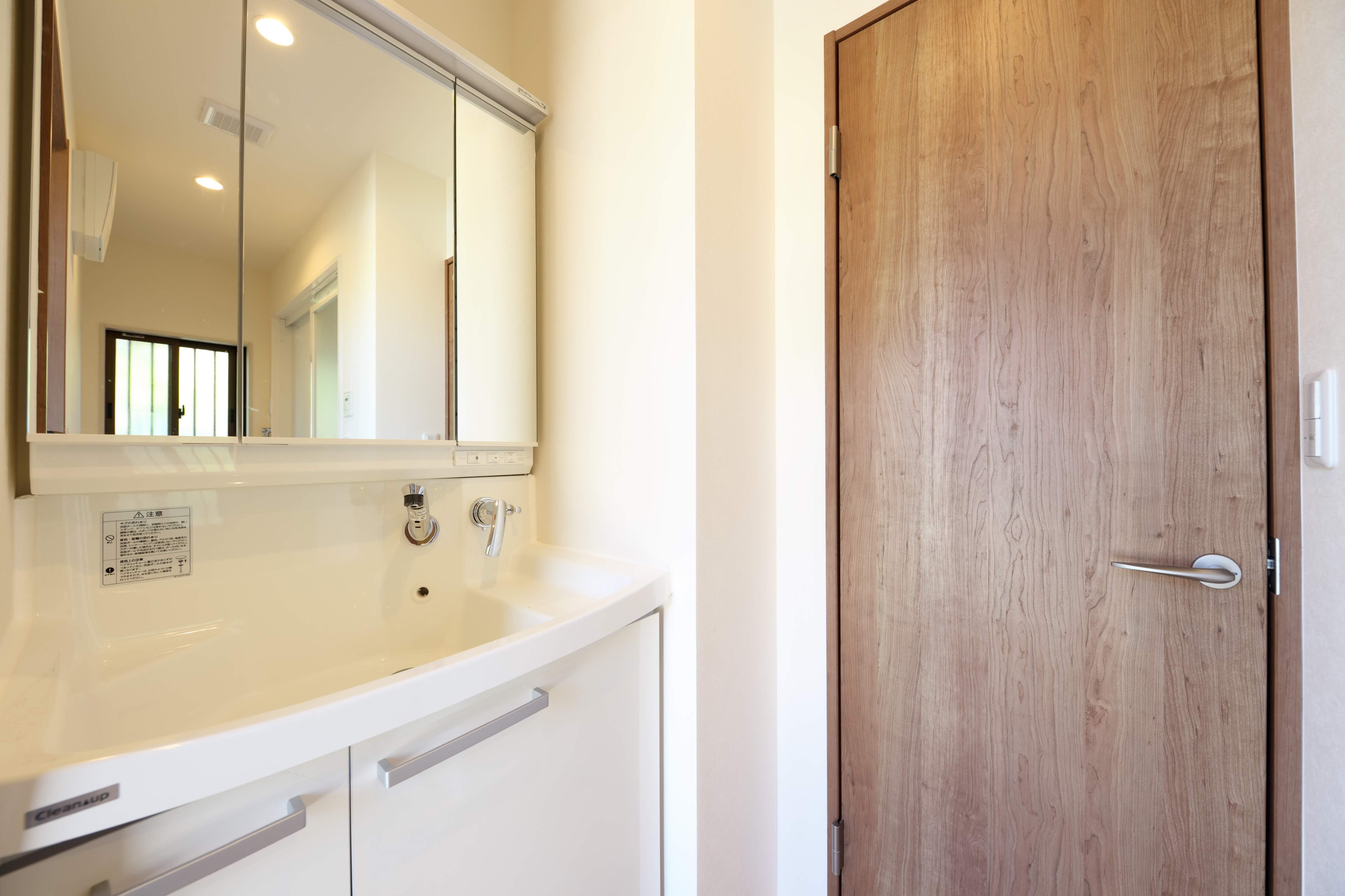 バス/トイレ事例:洗面所(縁側で夏を感じる家)