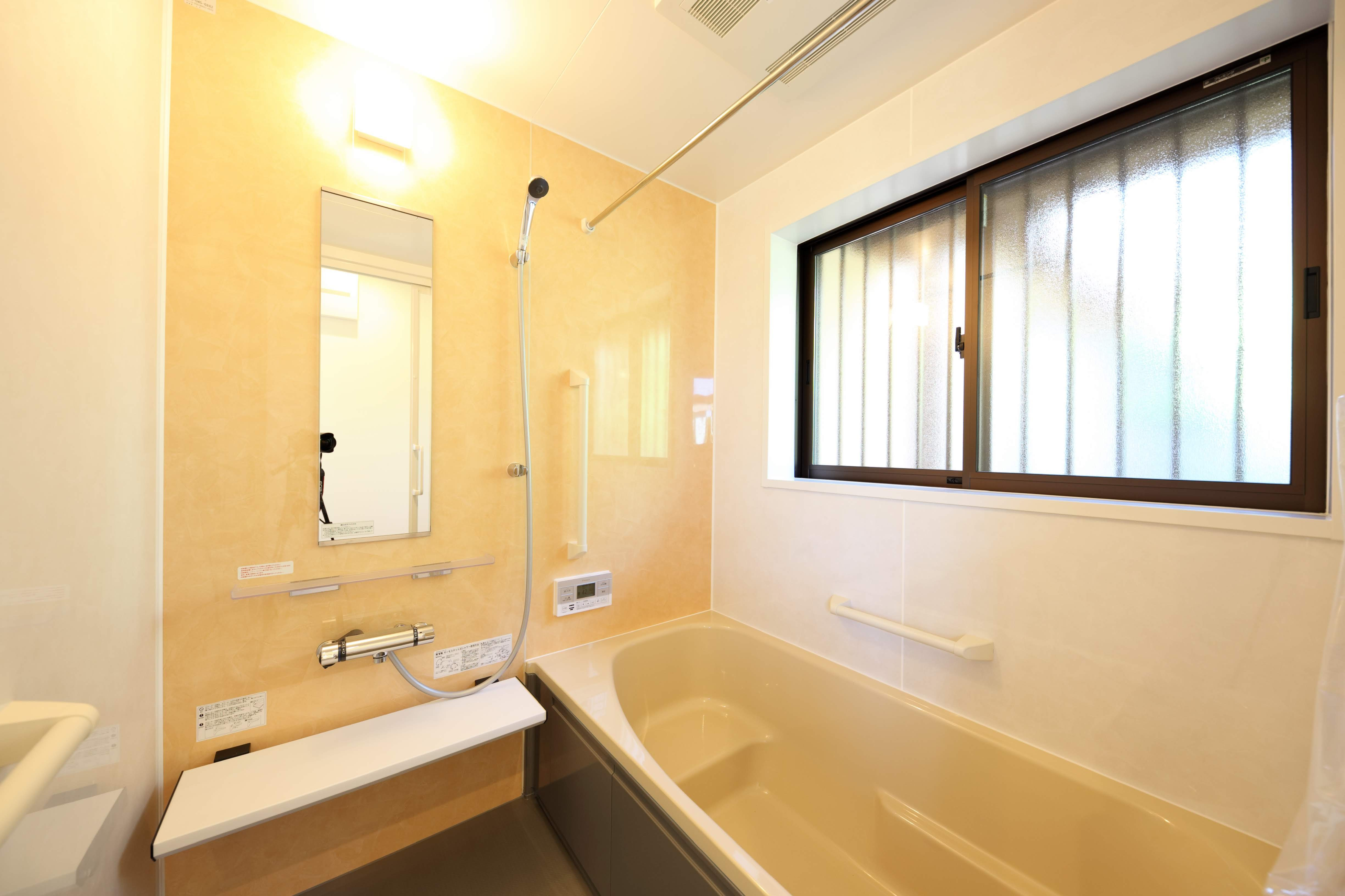 バス/トイレ事例:バスルーム(縁側で夏を感じる家)