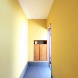 縁側で夏を感じる家 (玄関)