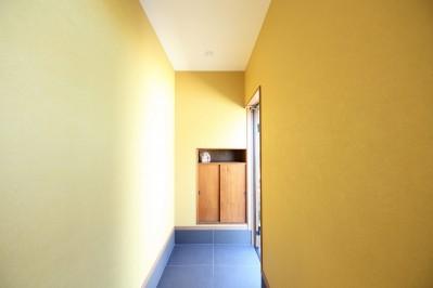 玄関 (縁側で夏を感じる家)