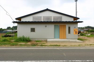 休耕地の家|東側外観 (休耕地に建つ女性のための住宅)
