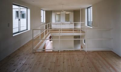地窓の家〜地窓と3つの庭と2つの書斎がある家〜 (洋室3と吹抜)