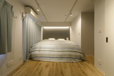 ベッドルーム (KUROMOKUの家)