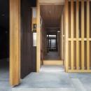 東大阪の家の写真 玄関から見た様子