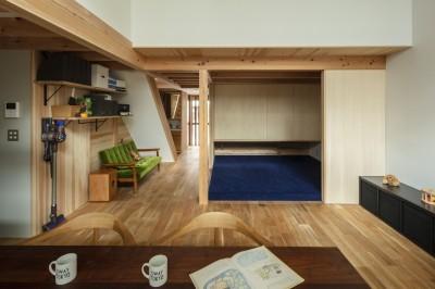 東大阪の家 (小上がり・見返し)