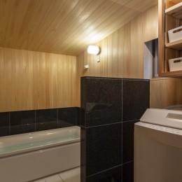 東大阪の家 (ヒノキの浴室)