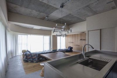 O house (キッチンからリビング・ダイニング)