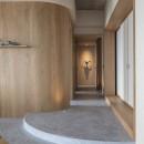 O houseの写真 リビングから廊下