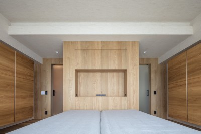 寝室 (O house)