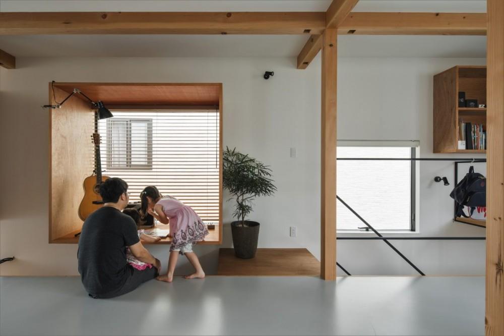 収納家具にプラスαの機能を付けた収納をテーマにした家(野路の家) (フリースペース)