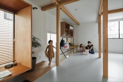 子供室 (収納家具にプラスαの機能を付けた収納をテーマにした家(野路の家))