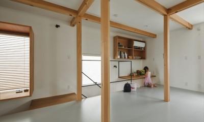 キッズルーム|収納家具にプラスαの機能を付けた収納をテーマにした家(野路の家)