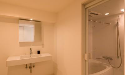 バスルーム・洗面室|大人シックなホワイト・シンプルデザイン