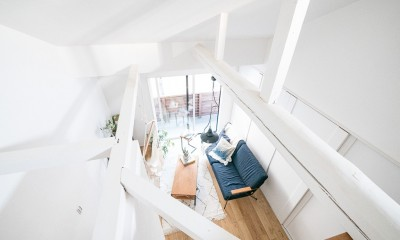 吹き抜け|天井裏のスペースを部屋に取り込む戸建てリノベーション
